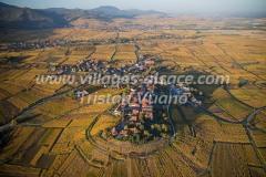 France, Haut-Rhin (68), Zellenberg sur la route des vins (vue aérienne)//France, Haut Rhin, Zellenberg, on the wines road (aerial view)